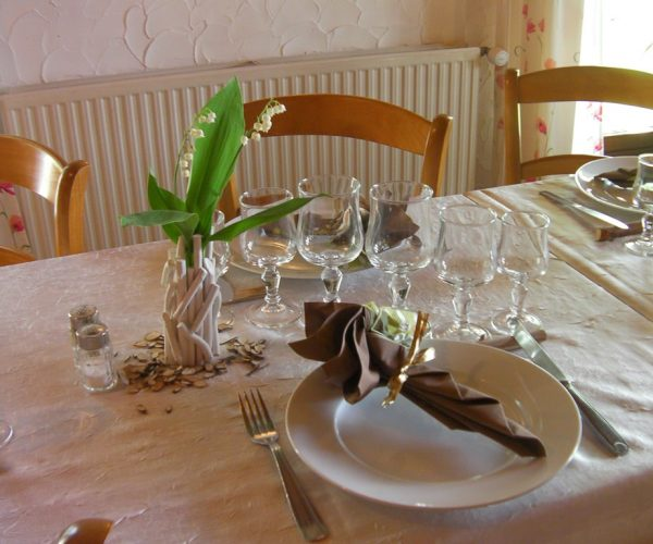 restaurant-hotel-nampont-saint-martin-la-peupleraie-valloires-presentation-tables.jpg